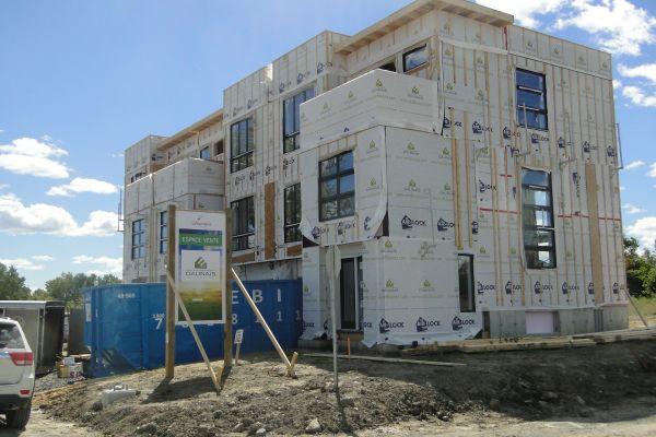 Nous sommes à finaliser les plans de construction. Nous espérons être en mesure de débuter les travaux à la mi juin 2016.